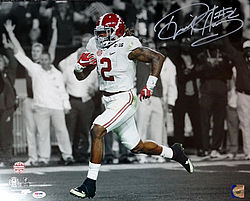 Signed Derrick Henry Autographed 16x20 Photo Alabama Crimson Tide - PSA/DNA Certified - Signed NFL Football Photos