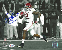 Signed Derrick Henry Autographed 8x10 Photo Alabama Crimson Tide - PSA/DNA Certified - Signed NFL Football Photos