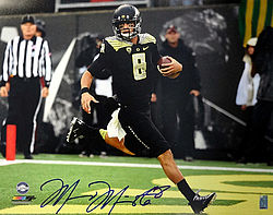 Signed Marcus Mariota Autographed 16x20 Photo Oregon Ducks MM Holo Stock #87198 - Signed NFL Football Photos