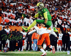 Signed Marcus Mariota Autographed 16x20 Photo Oregon Ducks MM Holo Stock #98165 - Signed NFL Football Photos
