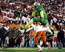 Signed Marcus Mariota Autographed 8x10 Photo Oregon Ducks MM Holo Stock #96552 - Signed NFL Football Photos
