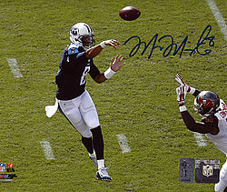Signed Marcus Mariota Autographed 8x10 Photo Tennessee Titans First Game MM Holo Stock #94938 - Signed NFL Football Photos